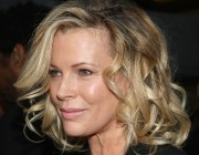 Kim-Basinger-Hairstyle-Photos