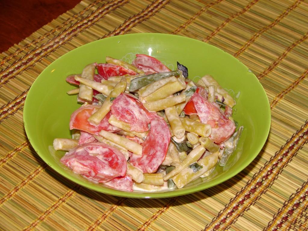 Sviesta_pupinu_tomatu_salati