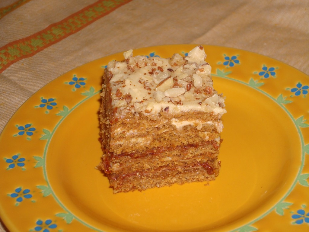 Piladzu_medus_torte